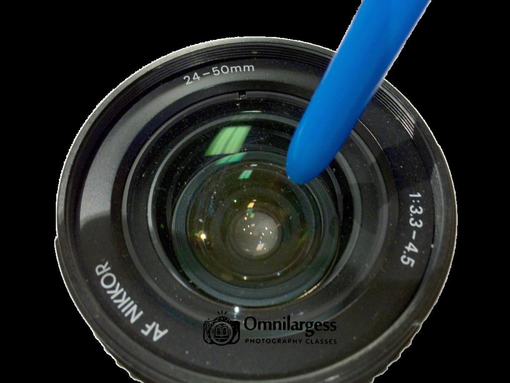 Clean a lens